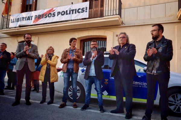 Concentracio de suport alcalde Miquel Sola ERC Collbato