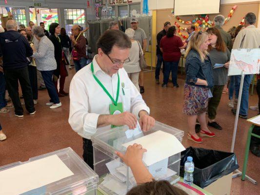La Bustia Joan Galceran votant municipals 2019 Sant Esteve Sesrovires