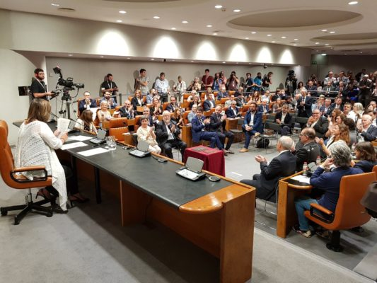 La Bustia Ple constitucio Diputacio Barcelona