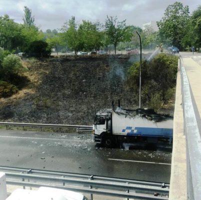La Bustia foc camio ramal A2 Martorell