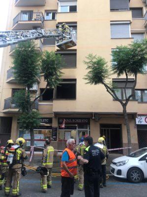 La Bustia incendi en un pis a Sant Andreu de la Barca