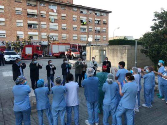 La Bustia alcaldes davant Hospital Martorell