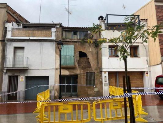 La Bustia pluja esfondrament façana Riera Olesa