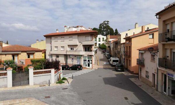 Castellvi - La Bustia - plaça del poble