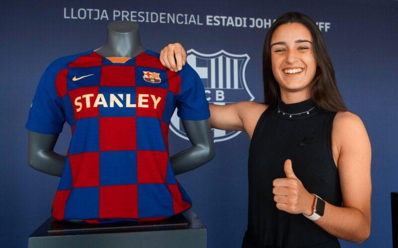 La Bustia Jana Fernandez signa Barça Sant Esteve