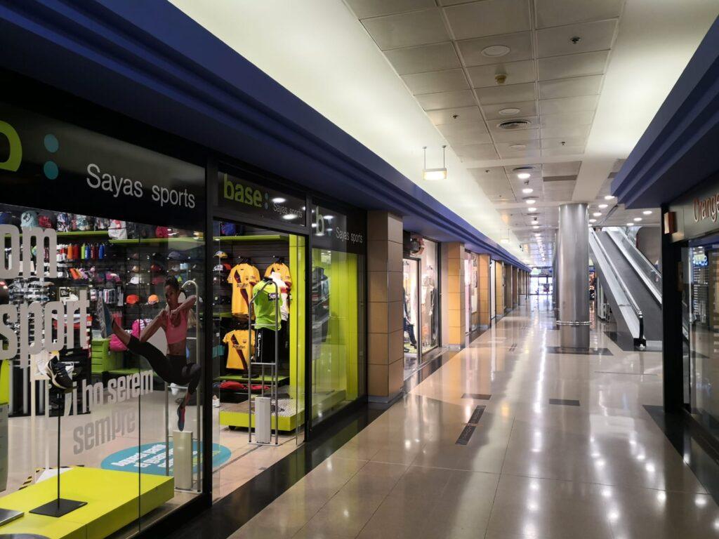 La Bustia Sayas Esports obertura centre comercial Abrera