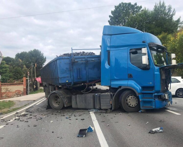 La Bustia accident transit camio Sant Esteve