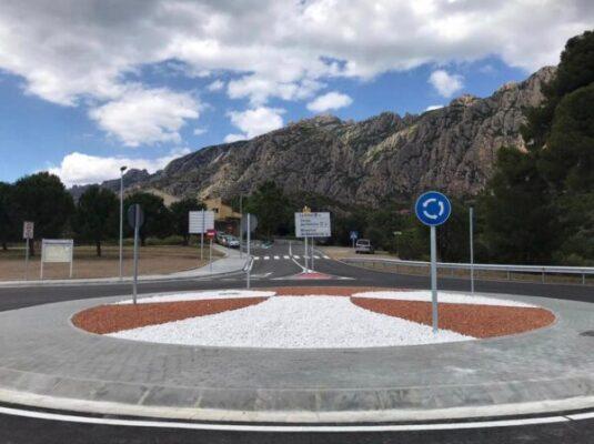 La Bustia gran rotonda Collbato direccio Coves Montserrat