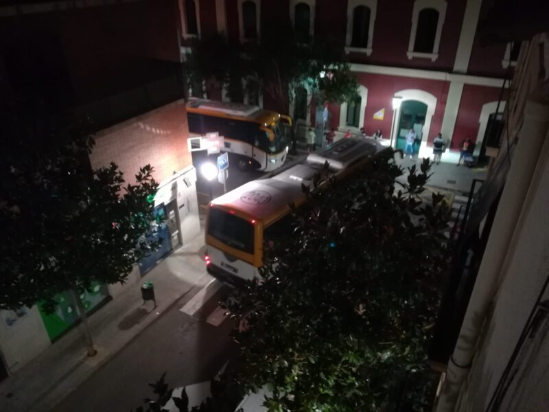 La Bustia autobusos Martorell nit