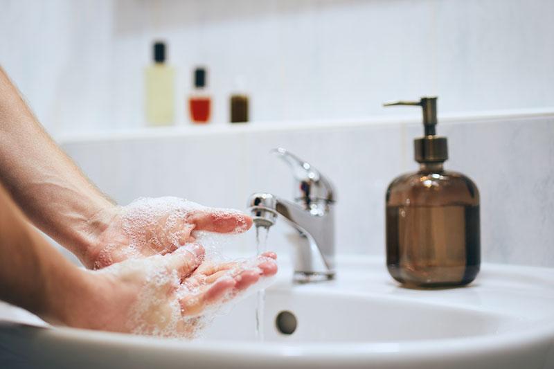 La Bustia rentada mans istock