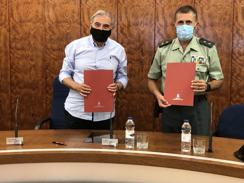 La Bustia signatura acord Sant Andreu Guardia Civil