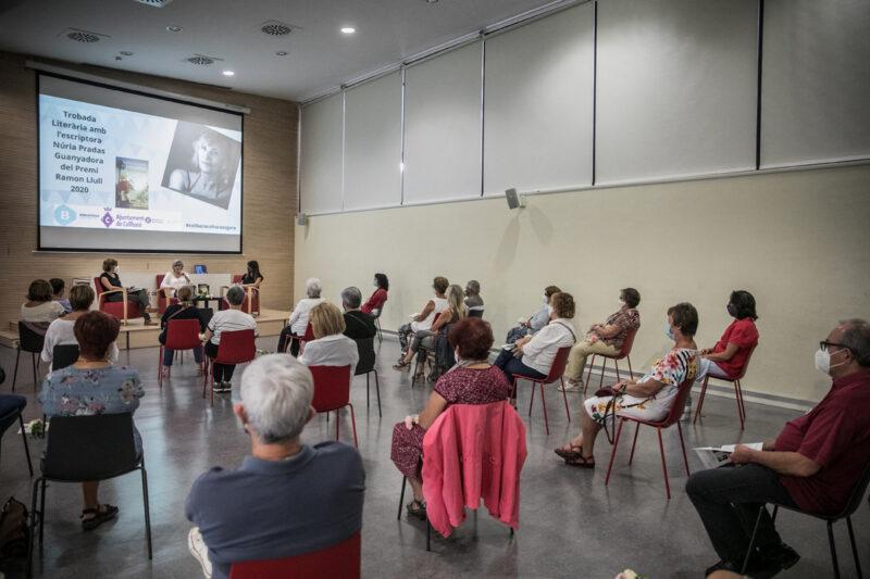 La Bustia FM Collbato Escriptora Nuria Pradas
