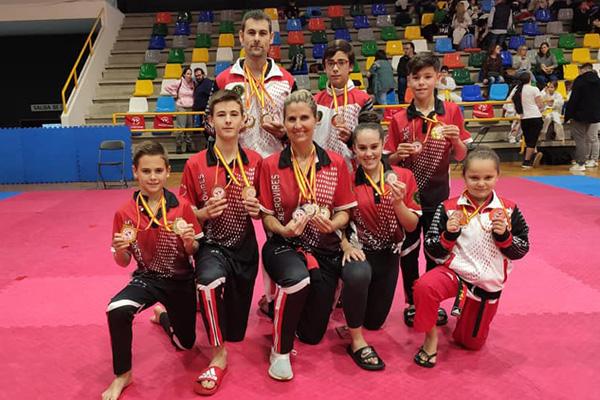 La Bustia Taekwondo sesrovires campions