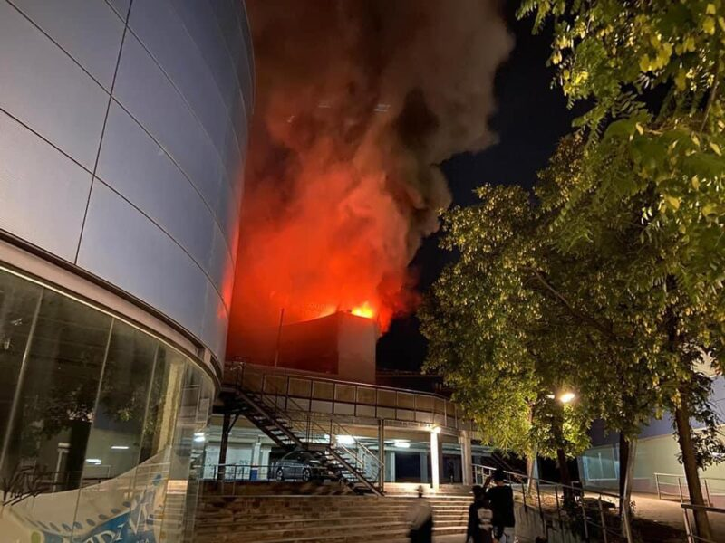 La Bustia incendi Atrium Sant Andreu (1)