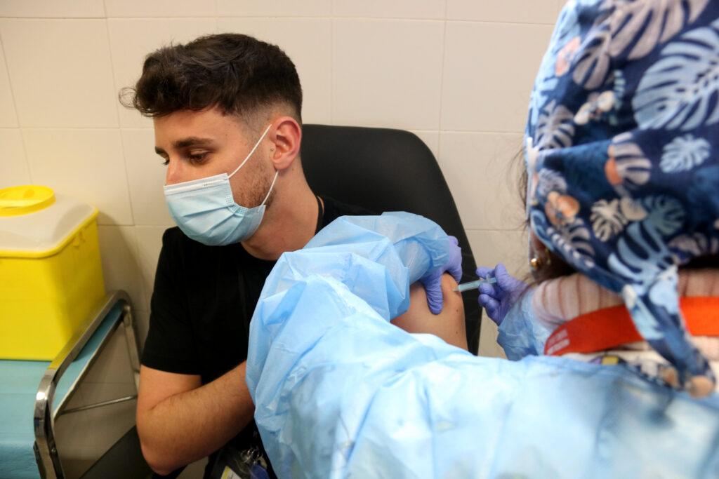 La Bustia vacunacio Brians 2 Sant Esteve