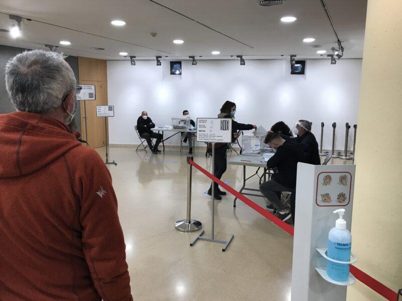 La Bustia votacio eleccions 14F Olesa