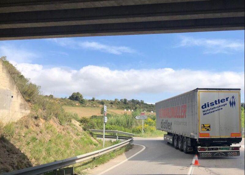 La Bustia camio sense remolc Masquefa