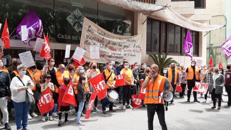 La Bustia concentracio UGT Esparreguera (1)