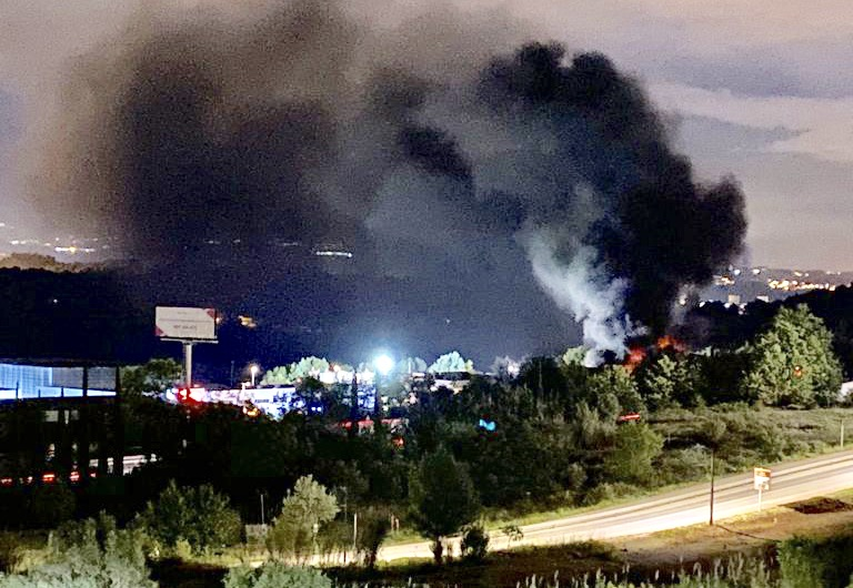 La Bustia incendi nau Can Valls Gelida