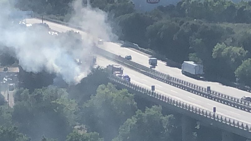 La Bustia vehicle incendiat AP7 Gelida