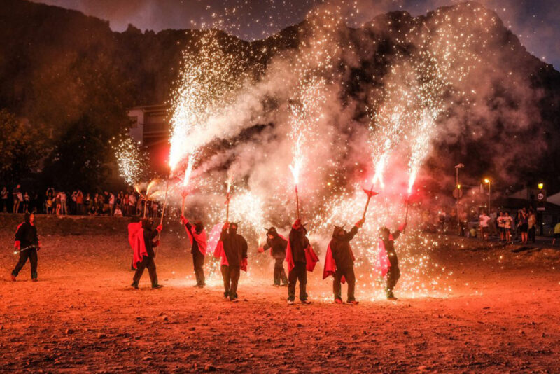 La Bustia espectacle foc Sant Joan Collbato