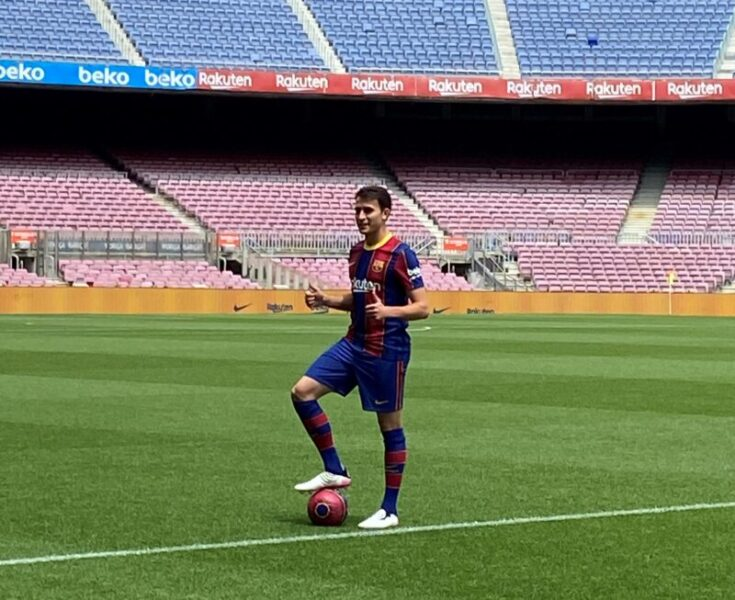 La Bustia presentacio Eric Garcia Barça (2)