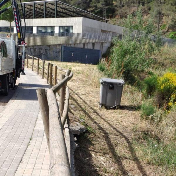 La Bustia tanca i contenidor carrer Manel Fernandez Castellvi
