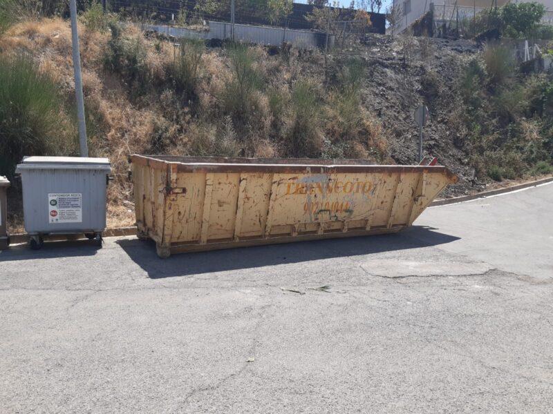 La Bustia contenidor objectes cremats incendi Castellvi