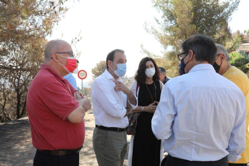 La Bustia diputats alcaldes regidors visita 17 juliol incendi Castellvi Martorell 1