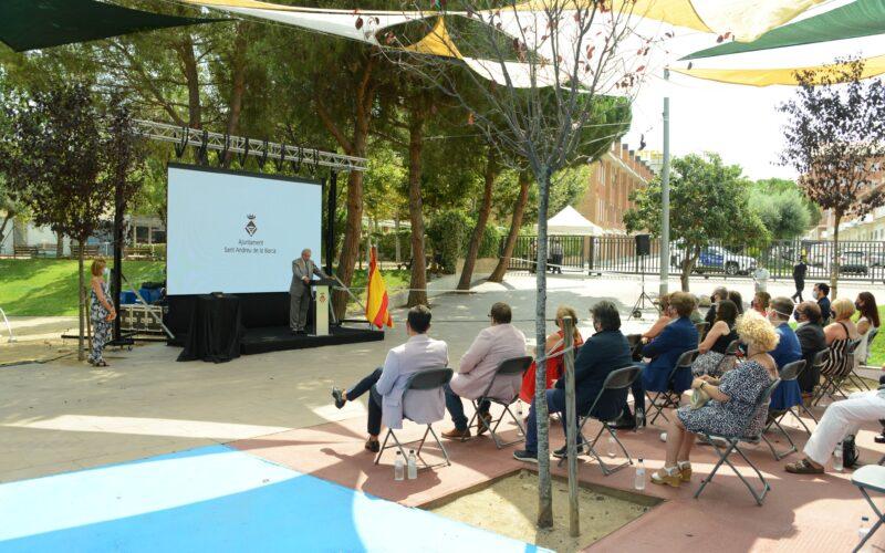 La Bustia medalla or voluntaris Sant Andreu (2)