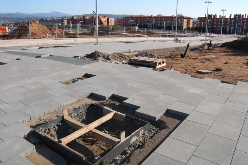 La Bustia primera pedra Edifici Agora La Sinia (2)