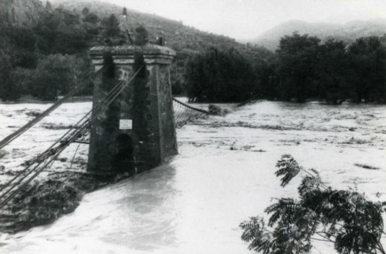 La Bustia riuada Esparreguera 20 setembre 1971 (2).JPG